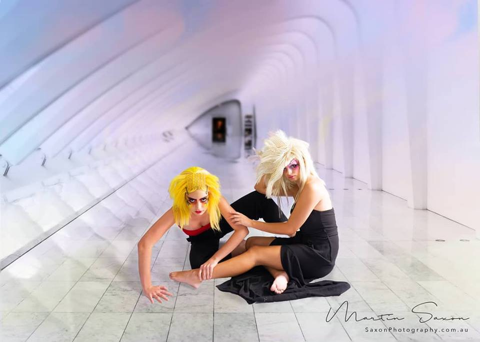 2 fighting fish
